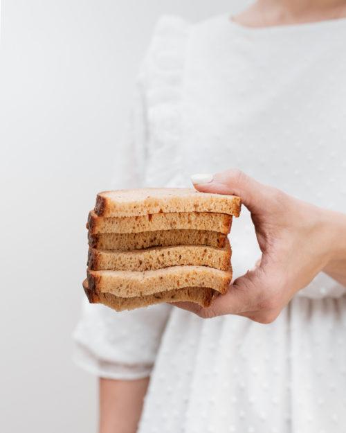 Naminė su viso grūdo miltais duona
